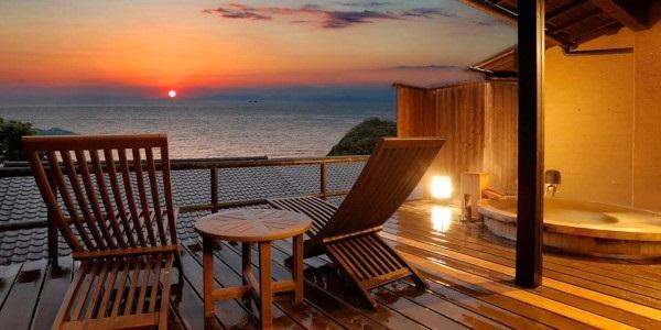 【無料宿泊券プレゼント】海と夕陽を望む露天風呂付き 古民家造りの落ち着いた客室