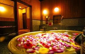 3つのお花やフルーツの貸切風呂は無料で利用可能♪お風呂は圧巻のお客様の声4.5つ星!