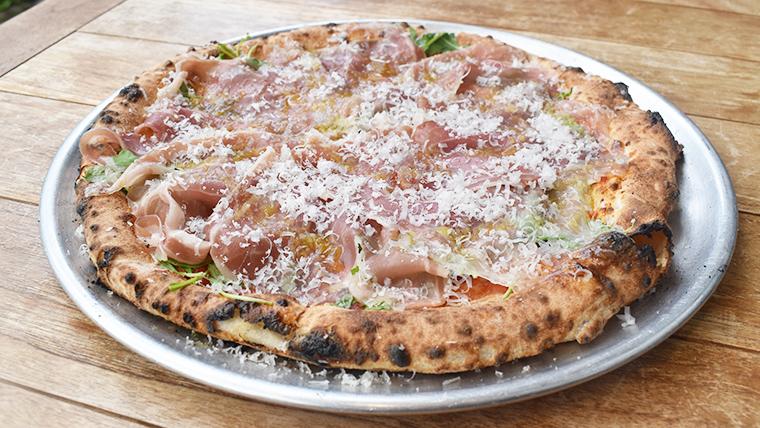 本格的な窯焼きピザが絶品!アペティートで優雅にイタリアンを