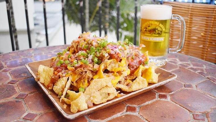 ハッピーアワーは6:00pm~8:00pm!絶品ローカルフードが揃うGenius Loungeでハワイのディナーを!